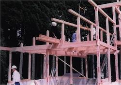車庫の木組みの様子2000.07.27