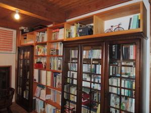 T字型の本棚
