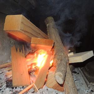 薪ストーブ着火
