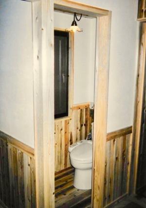 トイレにドアがない!